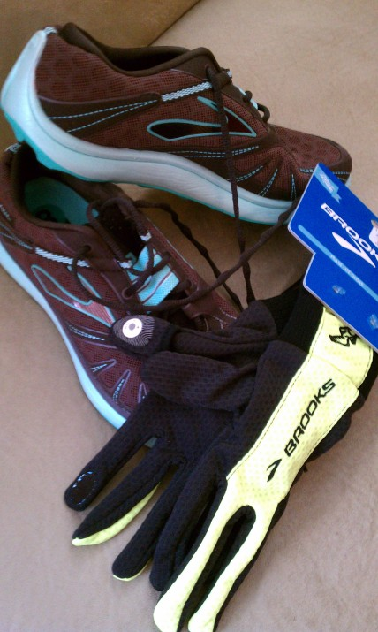 Brooks Pure Grit & Brooks gloves.